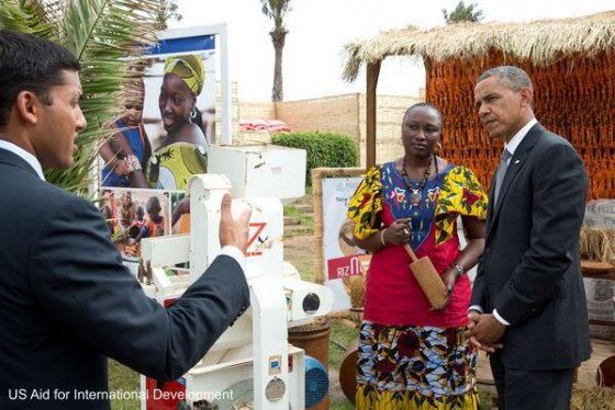 Barack Obama meets people working to improve the lives of smallholder farmers in Senegal